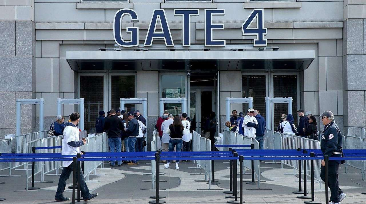 Fans line up to enter Gate 4