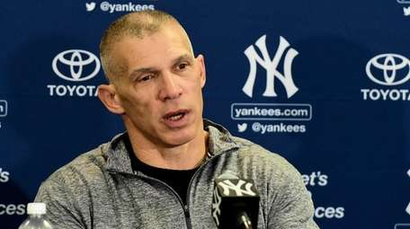 New York Yankees manager Joe Girardi speaks to