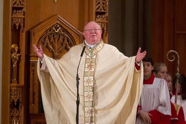 Bishop William Murphy celebrates Christmas Mass at