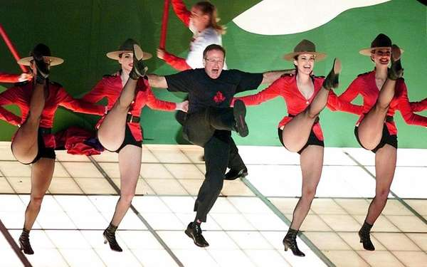 Robin Williams performs