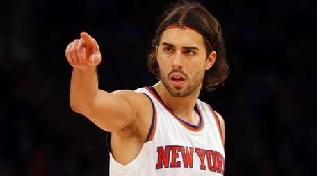 Sasha Vujacic of the New York Knicks looks