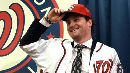 Former Mets infielder Daniel Murphy signed a three-year