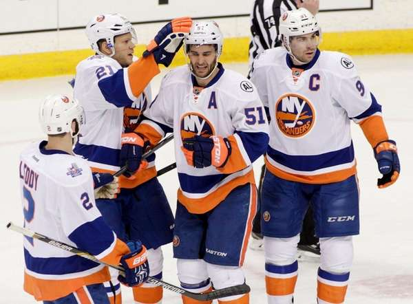 New York Islanders center Frans Nielsen (51), of