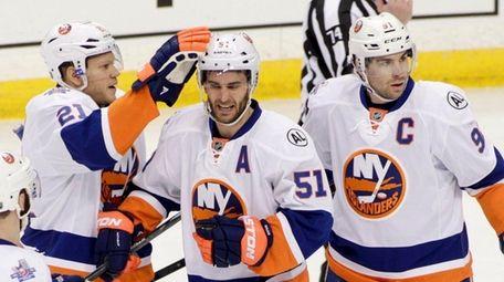 New York Islanders center Frans Nielsen (51), of