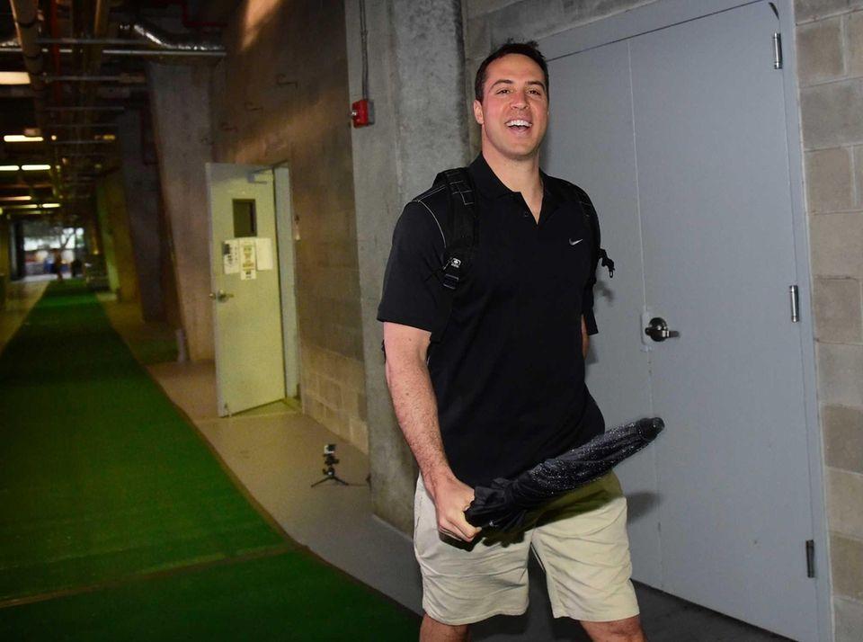 New York Yankees first baseman Mark Teixeira reports