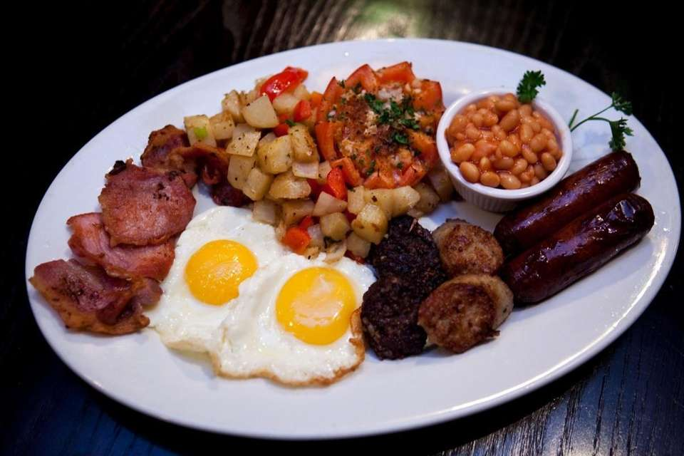 A full Irish breakfast is served at Paddy's