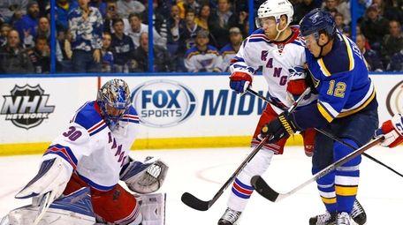 New York Rangers goalie Henrik Lundqvist blocks a