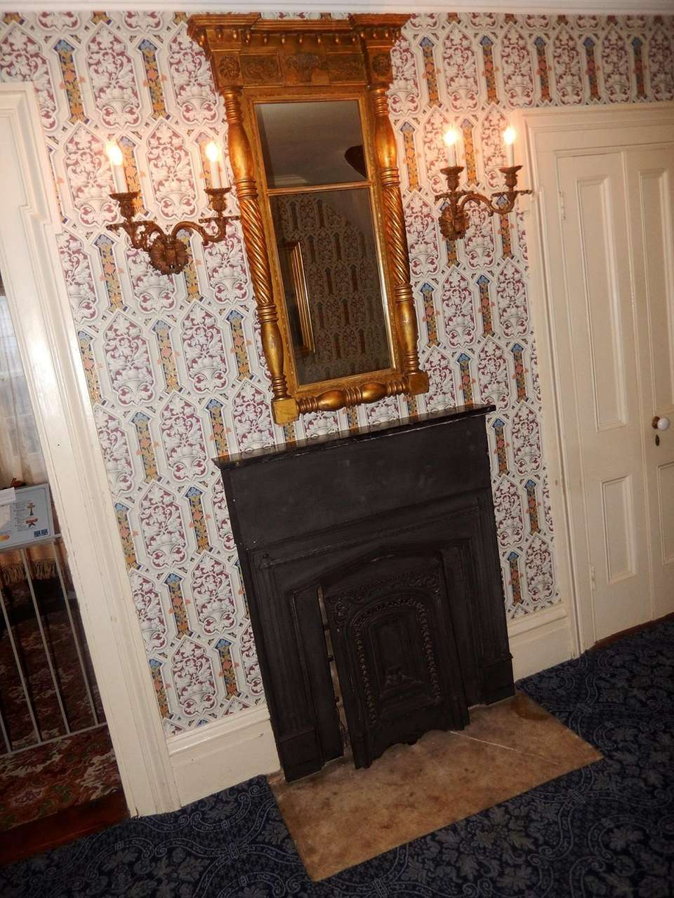 Raynham Hall staffers say that according to paranormal