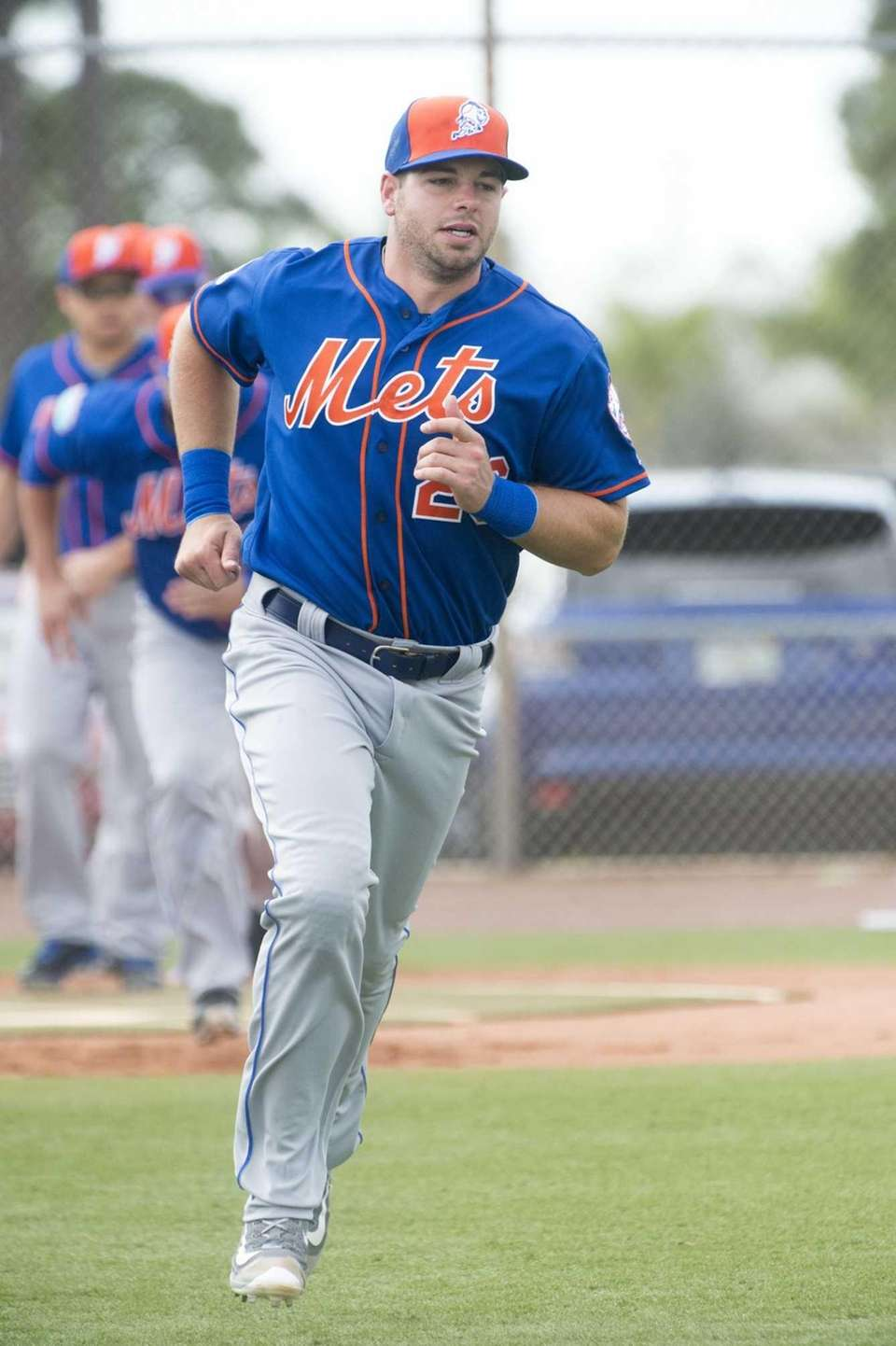 New York Mets catcher Kevin Plawecki does running