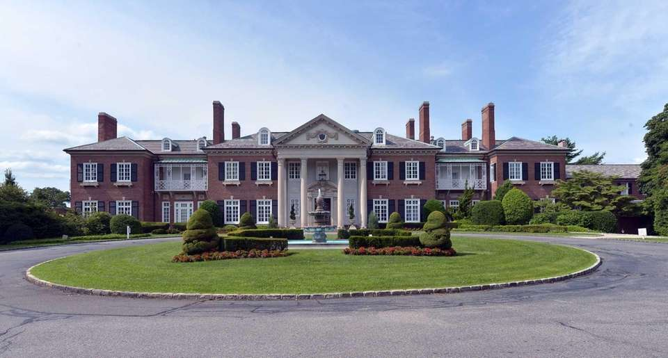 INFO: 200 Dosoris Ln., Glen Cove; 516-671-6400, glencovemansion.com
