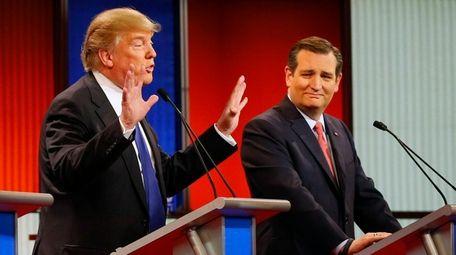 Republican presidential candidate Sen. Ted Cruz (R-Texas), right,