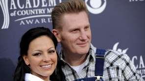 Joey Martin Feek, left, and husband Rory Lee