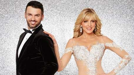 Marla Maples will take the floor with professional