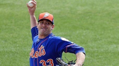 Matt Harvey #33 of the New York