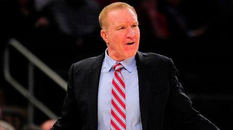 St. John's head coach Chris Mullin argues