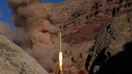 A Qadr H long-range ballistic surface-to-surface missile is
