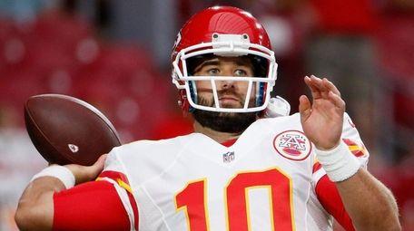 Quarterback Chase Daniel #10 of the Kansas