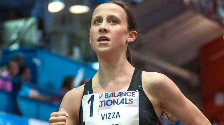 North Shore's Diana Vizza during the girls 5000