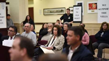 Glen Cove residents attend a meeting of the