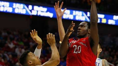Jameel Warney of the Stony Brook Seawolves attempts