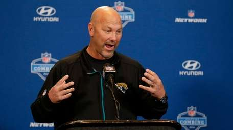 Jacksonville Jaguars head coach Gus Bradley speaks