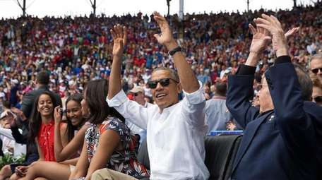 President Barack Obama and Cuban President Raul Castro
