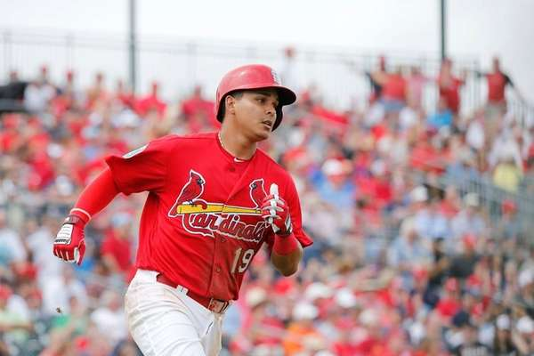 St. Louis Cardinals' Ruben Tejada heads for first