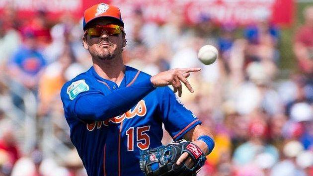 New York Mets Infielder Matt Reynolds jumps