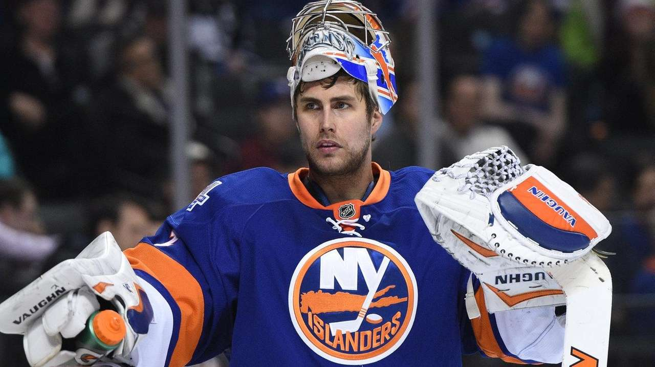 New York Islanders goalie Thomas Greiss looks