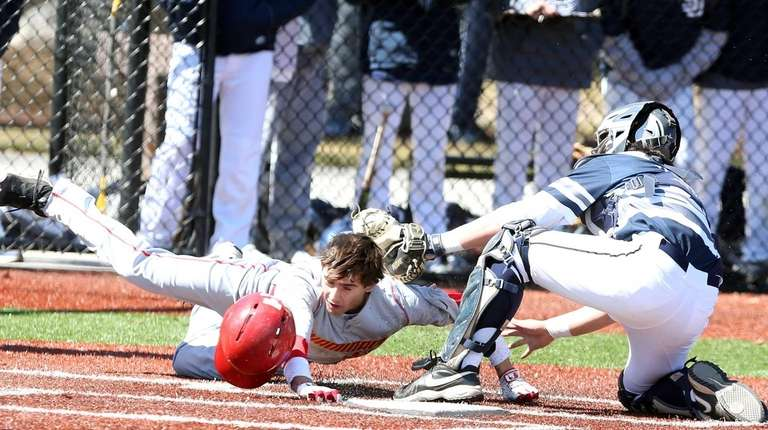Chaminade's Nick Sciortino gets thrown out at the