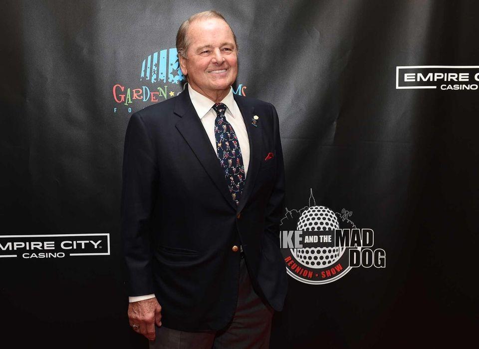 Former New York Rangers great Rod Gilbert walks