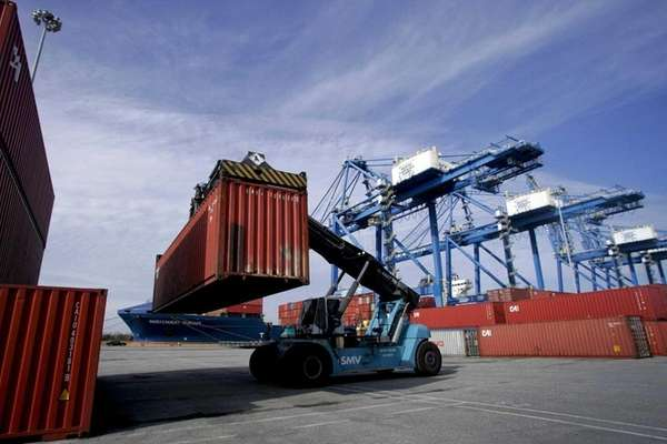 Novice exporters and the nonprofit organizations that help