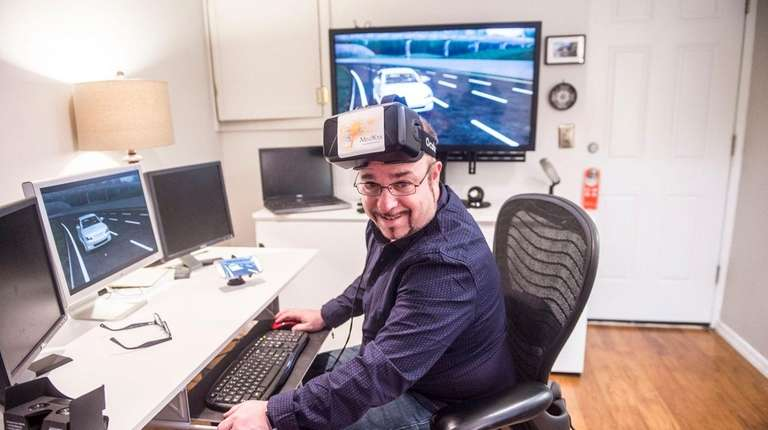 3D animator Paul Lipsky with his VR headset