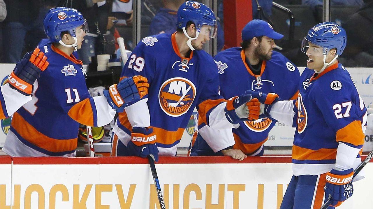Anders Lee #27 of the New York Islanders