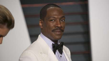 Eddie Murphy arrives to the 2015 Vanity Fair