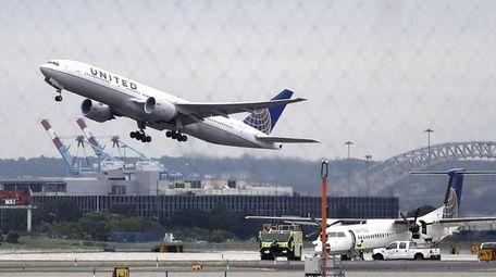 Hourly flight caps at Newark Liberty International Airport,