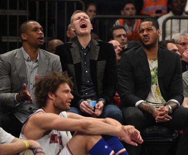New York Knicks forward Kristaps Porzingis, center,