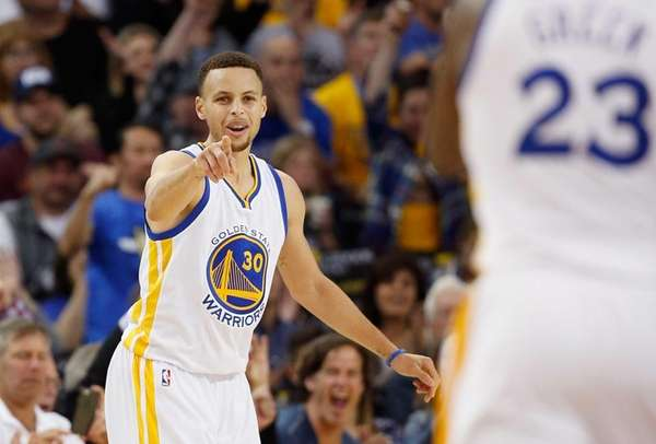 OAKLAND, CA - APRIL 03: Stephen Curry #30