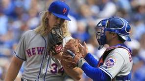 New York Mets starting pitcher Noah Syndergaard talks