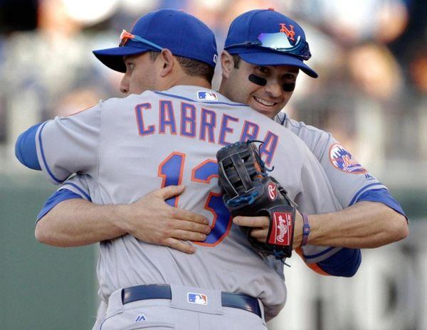 New York Mets shortstop Asdrubal Cabrera (13) and