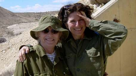 Gayle Kirschenbaum, right, with her mother, Mildred, the
