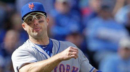 New York Mets third baseman David Wright throws