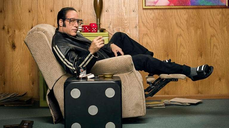 Andrew Dice Clay's semiautobiographical series debuts on Showtime