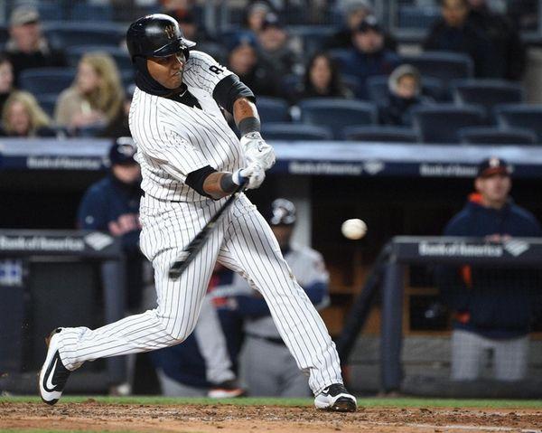 New York Yankees second baseman Starlin Castro hits