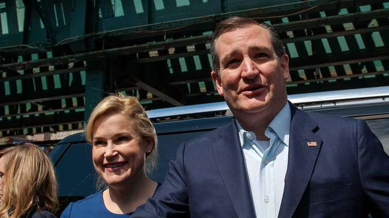 Republican presidential candidate Ted Cruz and his wife
