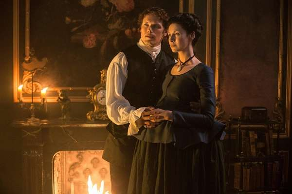 Sam Heughan and Caitriona Balfe hook up in