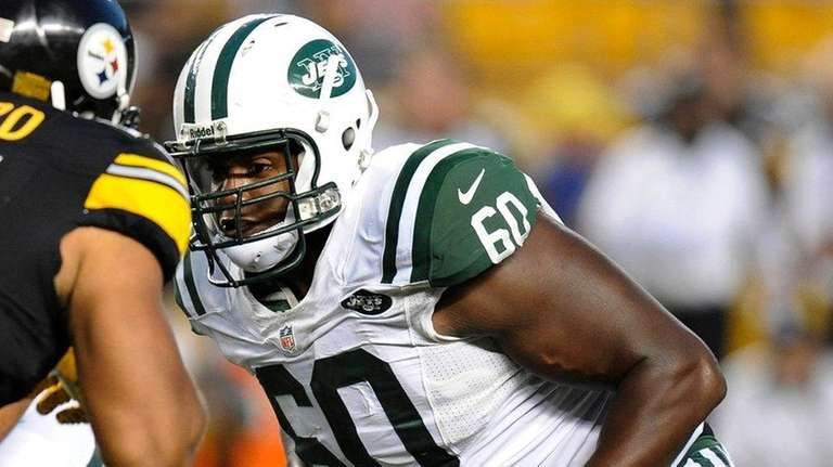 New York Jets tackle D'Brickashaw Ferguson (60)