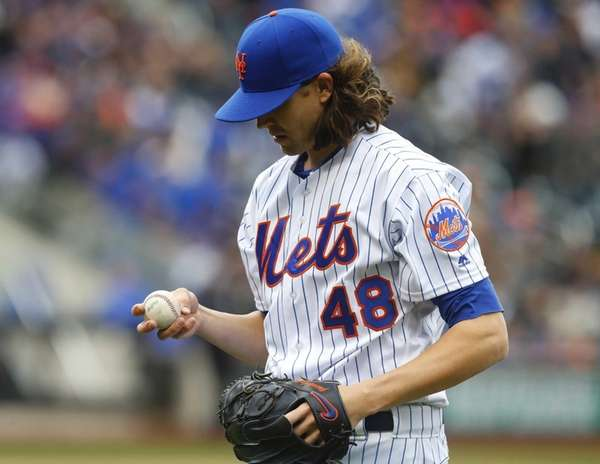 New York Mets starting pitcher Jacob deGrom (48)