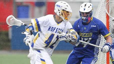Hofstra's Josh Byrne (42) carries the ball towards