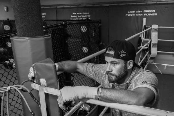 Chris Algieri shadowboxes at the Bellmore Kickboxing gym